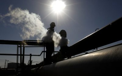 Libyan tribes offer to end to oil blockade amid talks